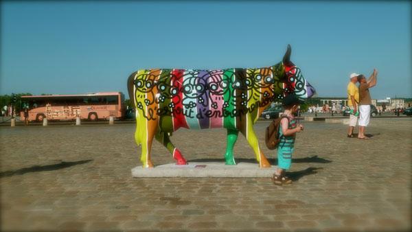 Gabrielle en exposition pour la Cow Parade de Bordeaux.Été 2010.