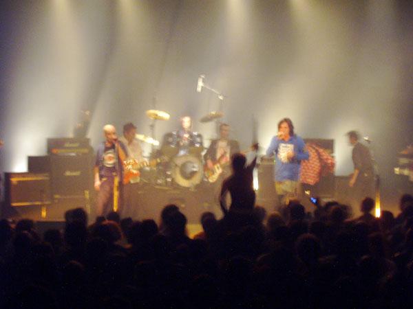 Les Cons en concert au théâtre Barbey à Bordeaux en 2005
