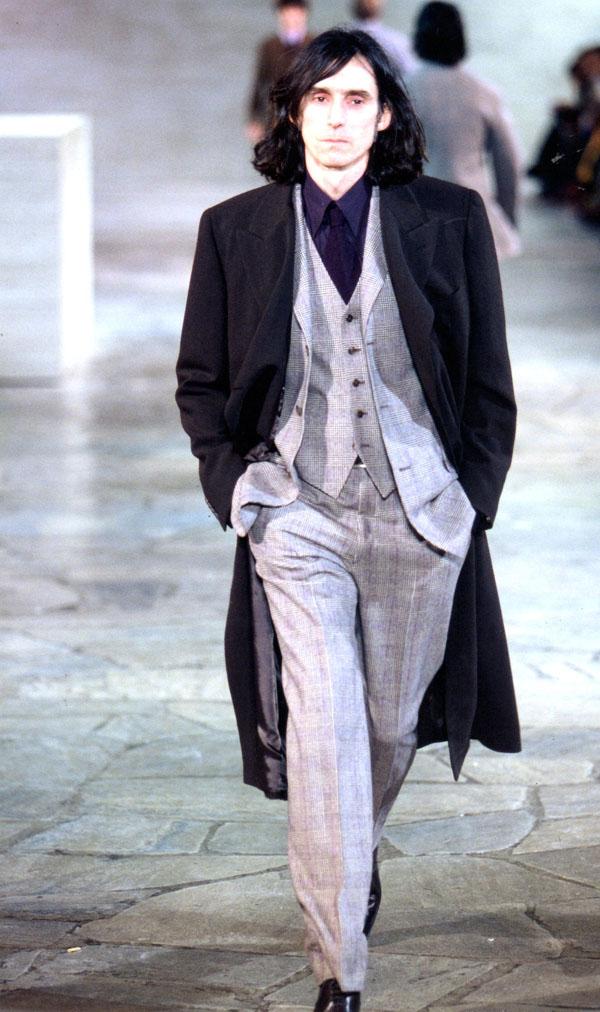truc irréel... défilé pour Hermès en 2001, Paris.